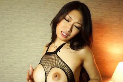 Reiko kobayakawa. Reiko Kobayakawa Asian exposes large cans in